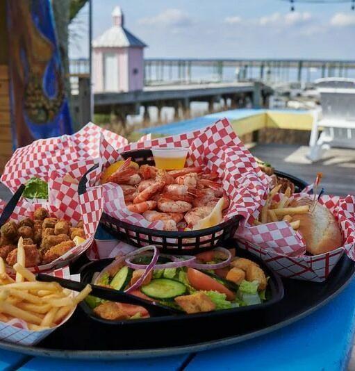Dining, Daufuskie Island Vacation Rental Group